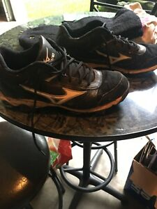 Mizuno men's baseball cleats size 9