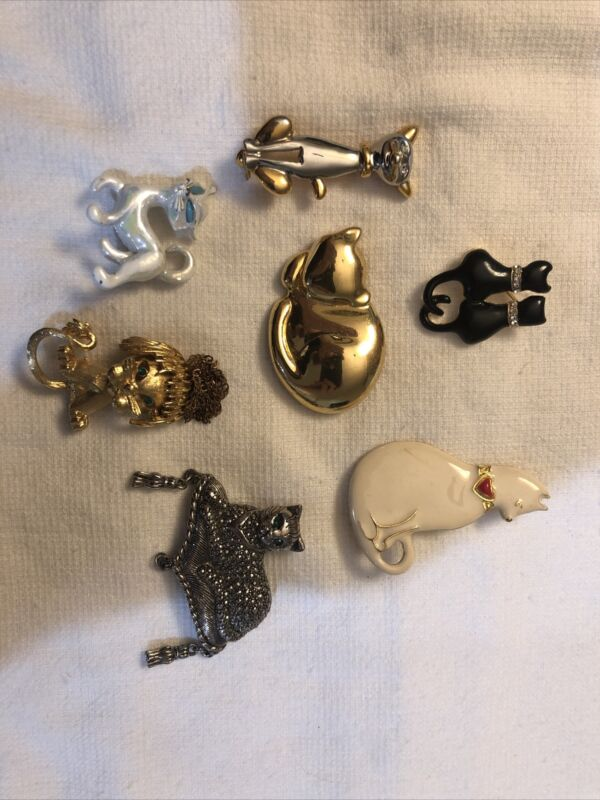 7 Assorted Cat Themed Pins & Brooches Some Signed