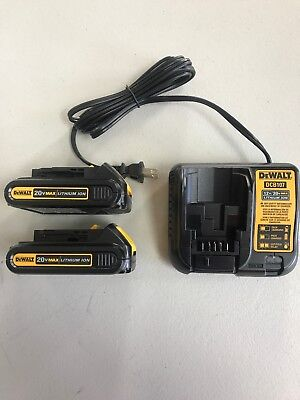 New DEWALT DCB207 2 Pack 20V MAX Li-Ion Batteries DCB107 20 Volt Battery Charger
