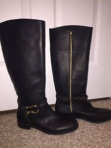 Women's leather boots like new size 8.5 $47