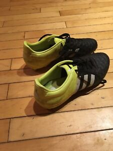 Adidas 15.2 soccer cleats US size 7 1/2
