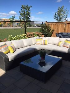 Rattan sectional with cousin plus coffee table