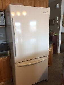 Whirlpool Gold fridge and stove
