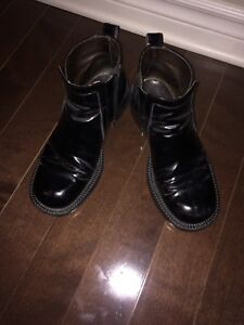 Black shiny leather booties