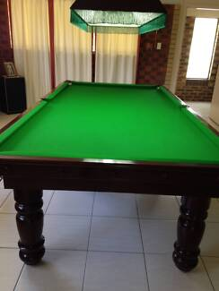 Pool or snooker table built by  Pot Black  ¾ size or 9x4 & ½ foot
