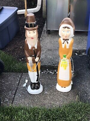 LOT OF 2 VINTAGE DON FEATHERSTONE PILGRIM PLASTIC BLOWMOLD YARD DECORATIONS