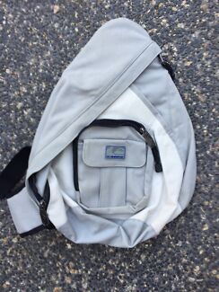 Quicksilver over the shoulder rucksack Cheltenham Kingston Area Preview