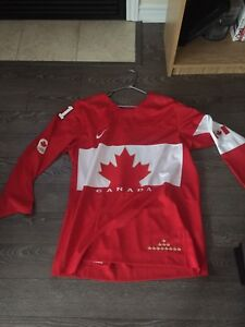 Team Canada hockey jersey XL