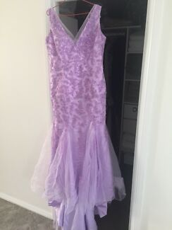 Beautiful lavender wedding dress size us18
