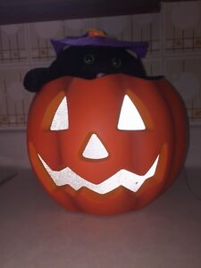 Jack o lantern with pop up cat great condition