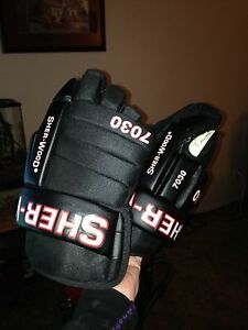 Road hockey gloves used twice