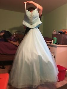 Alfred Angelo Prom Dress fits from 6 - 00