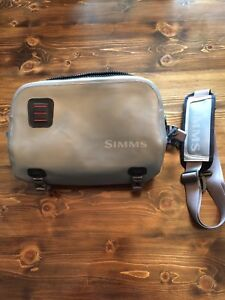 Simms dry creek Z hip pack, brand new