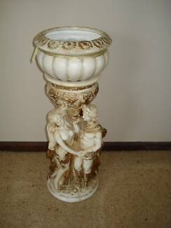 DECORATIVE POT STAND WITH BOWL
