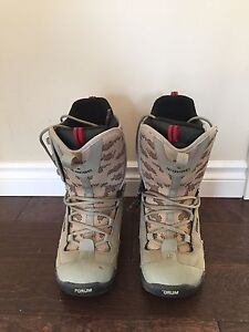 Forum snowboard boots size 9 40$ obo