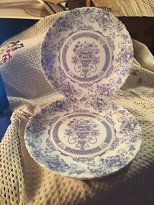 """Arcopal Honorine France 10 3/4"""" Dinner Plates (4)"""