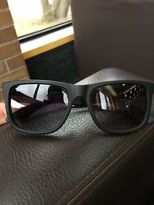 Ray-Ban - black (Great condition)
