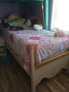 Twin girls bed frame