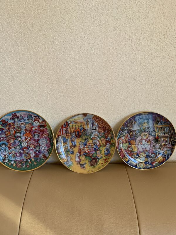 """The Franklin Mint Heirloom Collection Set Of 3 Plates 8"""" By Bill Bell"""