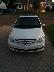 Mercedes B200 4500$