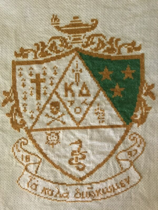 KAPPA DELTA SORORITY NEEDLEPOINT PETIT POINT SHIELD CREST FOR PILLOW OR FRAME!