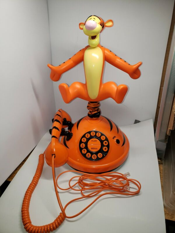 VINTAGE WALT DISNEY TIGGER FROM WINNIE THE POOH ANIMATED TALKING TELEPHONE