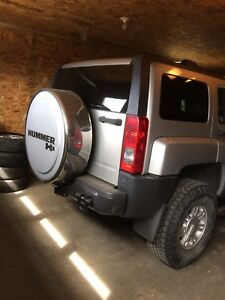 2010 HUMMER H3 Remote Start , Back up Camera  with Low Km