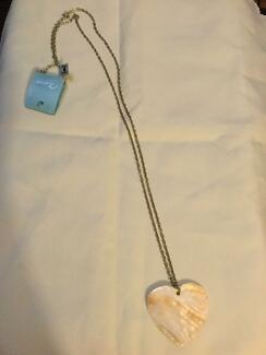 Coral heart necklace. NEW. Nic's jewellry