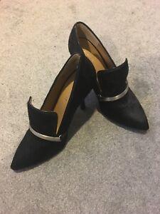 Nine West black 3 inches heels