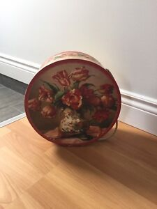 Decorative hat box
