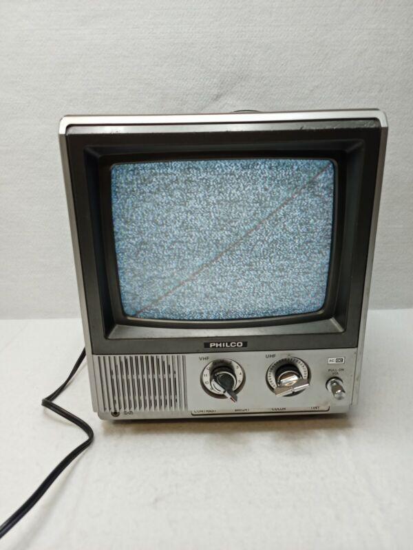"""VINTAGE PHILCO  TV MINI 9"""" COLOR  1984 T.V. C1910SSL  - WORKING CONDITION"""