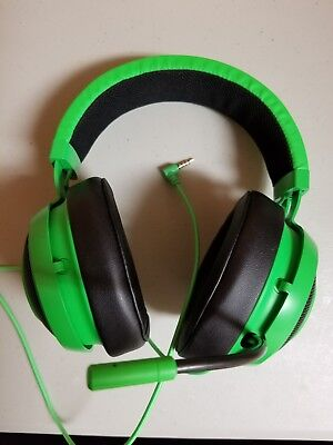 Razer Kraken Pro V2 with 3.5mm jack. Green. For Xbox, PC, and PS4