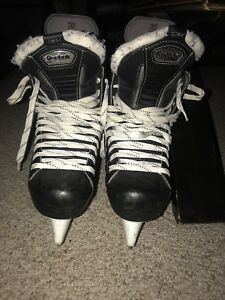 Hockey equipment |  Reebok 12 K, Elbow Pads, Gloves