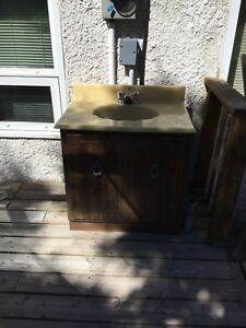 Vanity with sink and taps size 31 x 22