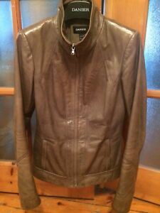 Danier Ladies 2X Small (34-36) Green Leather Bomber Jacket