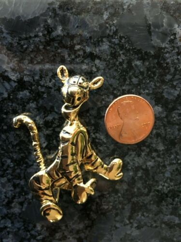 Disney Pin Gold Tone Tigger Jewelry w Moving Tail Winnie the Pooh Friend CUTE!