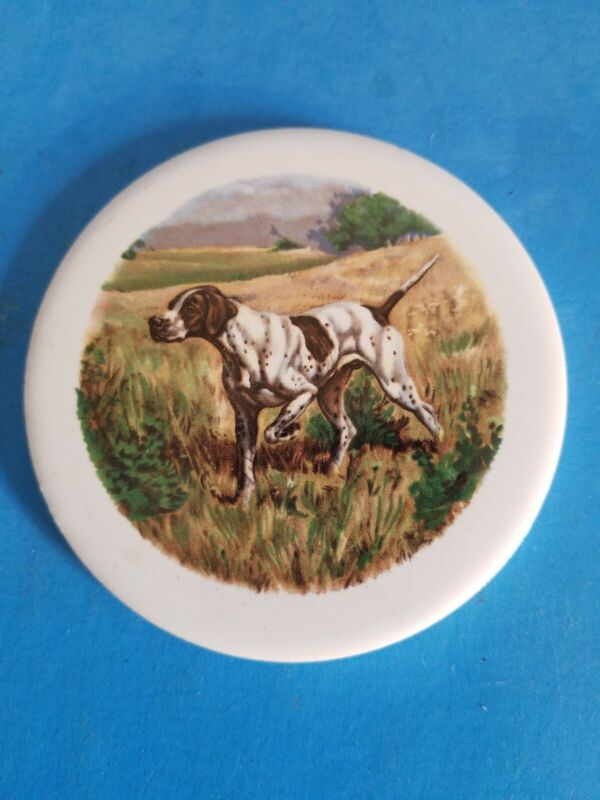 """VINTAGE H&R JOHNSON 3 1/2""""  DOG IN HUNT COLLECTIBLE ROUND TILE.FREE SHIPPING.*C2"""