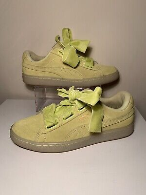 Puma Womens Sneakers Suede Heart Satin II Casual Yellow Ribbons Size 7 Shoes.