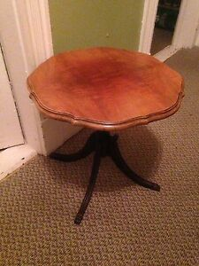 "Antique Duncan Phyfe Tilt Top Table, 20"" Dia, 19.5"" Tall"