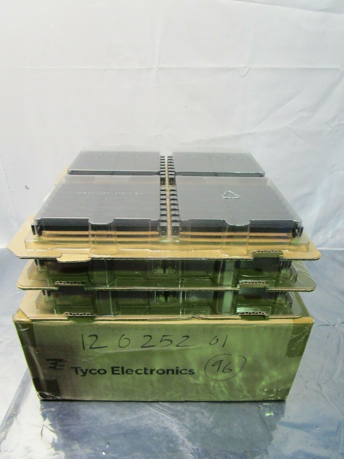 1 Lot of 96 Tyco Electronics 1658912-3 DDR DIMM ELECTRIVCAL CONNECTOR, 102434