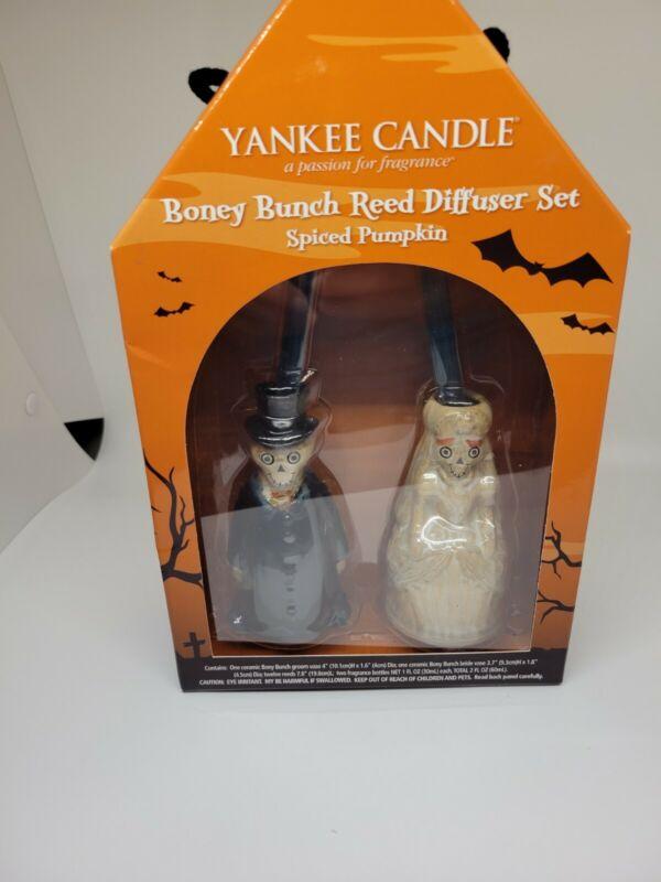 2010 Yankee Candle Boney Bunch Halloween Spiced Pumpkin Reed Diffuser Set NEW