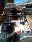 Half cabin haines hunter, mercury outboard good old boat  Ipswich Ipswich City Preview