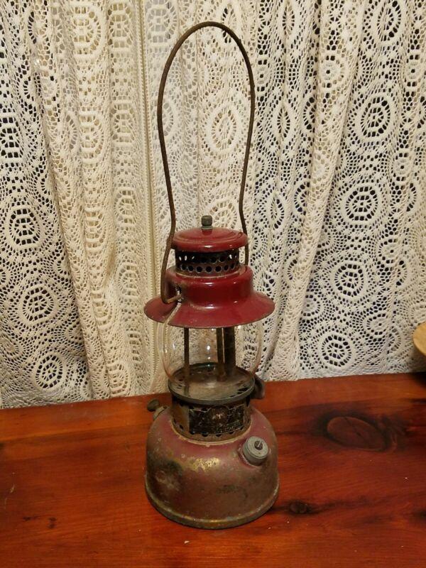 Vintage AGM American Gas Machine Company MODEL 3016 CAMPING GAS LANTERN Maroon