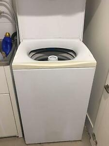 Top Loader Fisher and Paykel Washing Machine Southport Gold Coast City Preview