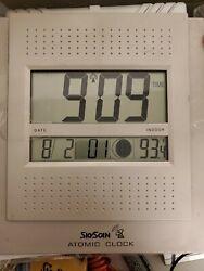 SkyScan Atomic Clock w/ Moon Phase Date Temprature Model 87315