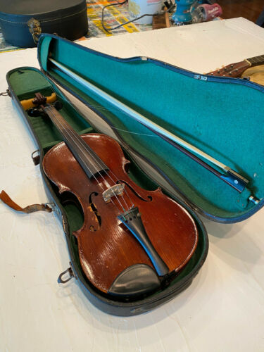 Violin Made in Nippon 4/4 Body Includes Nice Tourte Bow
