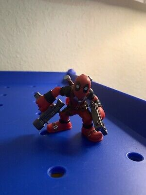 Marvel Super Hero Squad VERY RARE DEADPOOL Holding Two Guns from Wave 20