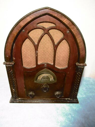 ATWATER KENT Type 82D Cathedral Radio Complete (1931)