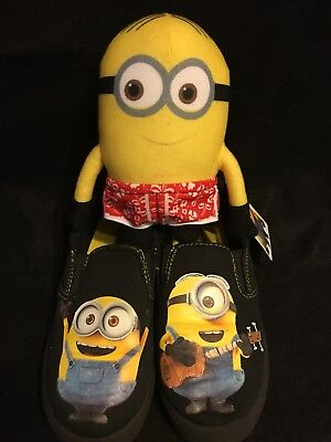 Despicable Me Minions Slip on Boys Canvas Shoes Size 2 And Stuffed Minion Toy