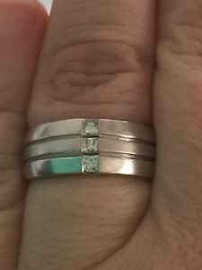 Men's diamond ring Banksia Grove Wanneroo Area Preview